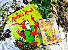 Denn es ist Robin Hood, den ich haben muss! Ich war immer total verliebt in den Fuchs mit Pfeil und Bogen. Wenn ich nicht gerade vor dem Fernseher schmachtete, dann lief bei mir das Hörspiel. Es gab nie einen Mann, der ihm das Wasser reichen konnte. Und das Schönste? Ich wurde von ihm im Disneyland geküsst! Was bin ich damals rot angelaufen!Das Buch ist Flohmarktsbeute. #Robinhood #disney