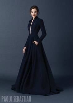 I sooooo want this as my dressing gown! Paolo Sebastian Couture Fall/Winter Navy gown high neck long sleeves a-line embroidery beading pockets plunging neckline Beautiful Gowns, Beautiful Outfits, Style Haute Couture, Couture Week, Couture 2015, Couture Fashion, Haute Couture Gowns, Mode Vintage, Looks Style
