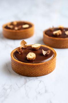 Fun Baking Recipes, Bakery Recipes, Donut Recipes, Tart Recipes, Sweet Recipes, Dessert Recipes, Fancy Desserts, Sweet Desserts, Patisserie Fine