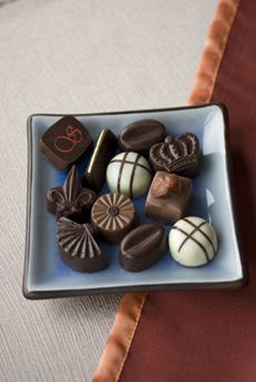 Classes on Chocolate Making, Bread Baking, Eggless Cakes, Cake Decorating and Sugar Craft-Education , Learning-Dwarka sector Gurga. Artisan Chocolate, Chocolate Art, How To Make Chocolate, Chocolate Making, Baking Business, Sugar Craft, Home Baking, Food Reviews, How To Make Bread