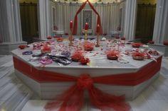 Ewedd Düğün Nişan Kına Gelin Hamamı Organizasyonu Ewedd Düğün Nişan Kına Gelin Hamamı Organizasyonu #gelinhamamı #izmirgelinhamamı #gelinhamamıizmir #gelinhamamıfiyatları #izmirgelinhamamıorganizasyonu Henna Party, Weeding, Bridal Shower, Turkey, Table Decorations, Bride, Illustration, Young Living, Hochzeit