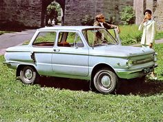 ZAZ 966 Záporožec | V/O Avtoexport SSSR Moskva Vintage Cars, Antique Cars, Ukraine, Automobile, Back In The Ussr, Car Pictures, Car Pics, Car Brands, Old Cars