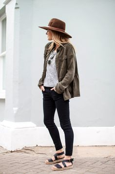 Grey tee, black pants, flat black sandals, olive jacket | FMN | Spring Safari - 11