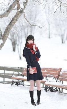 制服 — ↪ CLICK HERE TO SEE JAPANESE SCHOOL UNIFORMS ↩