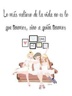"""""""Lo más valioso de la vida no es lo que tenemos, sino a quién tenemos"""". Frases de amistad - frases de mejores amigas - pensamientos bonitos de #amistad."""