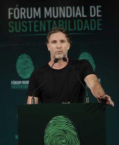 'Brasil tem criatividade e sustentabilidade para marcar território no design sustentável', diz estilista  VISITE TAMBÉM NOSSAS PAGINAS:   www.polpatec.com.br www.polpatec.blogspot.com.br