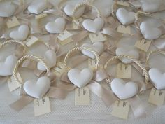 Farfalle e confetti Wedding Gifts For Guests, Wedding Favours, Wedding Cards, Diy Wedding, Party Favors, Homemade Christmas Gifts, Home Made Soap, Cold Porcelain, Diy And Crafts