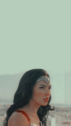 Wonder Woman Pictures, Girl Pictures, Gal Gardot, Dc Comics Heroes, Gal Gadot Wonder Woman, Friends Moments, Dc Super Hero Girls, S Pic, Gorgeous Women
