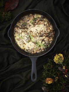 Kermainen suppilovahverokastike | Kasvis, Lisukkeet | Soppa365 Iron Pan, Favorite Recipes, Eat, Cooking, Food, Finland, Drinks, Lasagna, Kitchen
