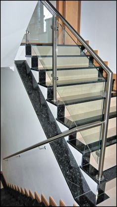 Inox Algarve  www.cbi-lda.com Stairs Tiles Design, Home Stairs Design, Stair Design, Floor Design, Tile Design, House Design, Glass Balcony Railing, Balcony Railing Design, Glass Stairs