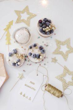 Wir haben uns dieses Wochenende schon einmal an die Weihnachtsmenü-Planung   gemacht und dabei haben wir ein paar Eis-Ideen für Weihn...
