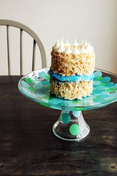"""Cute and Easy DIY Confetti Cake Stand for the next birthday party  Needed: a glass cake stand tissue Paper 1"""" hole punch Mod Podge a paint brush."""