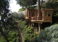 From simple tree house plans for kids to the big ones for adult that you can live in. If you're looking for tree house design ideas. Find and save ideas about Tree house designs. Modern Tree House, Romantic Backyard, Tree House Plans, Studio Build, Cool Tree Houses, Tree House Designs, Green Architecture, Tree Tops, In The Tree