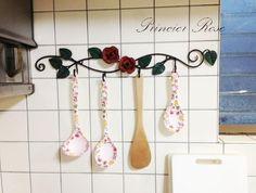 薔薇のモチーフ付き4連フック Kitchen hook