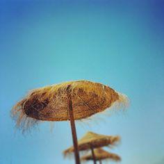 Sombrillas, Photo by mrguasch