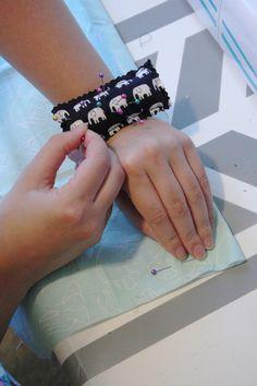 Wrist Pincushion - Think Crafts by CreateForLess