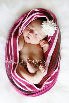 Cocooning is adorable for newborn portraits