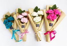 WhatsApp ke 085643471606 for order 😊💚 💁 Felt Flower Bouquet, Bouquet Wrap, Diy Bouquet, Felt Flowers, Diy Flowers, Fabric Flowers, Flowers Bucket, Felt Diy, Felt Crafts