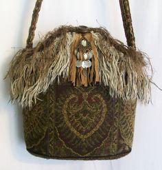 monedero, bolso, bolso de flecos, bolso embellecido, tapiz monedero, boho bolso, bolso del cubo, uno de un bueno, bolso hippie, por ciclos, bolso otoño de LamaLuz en Etsy https://www.etsy.com/es/listing/486233045/monedero-bolso-bolso-de-flecos-bolso