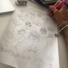 De volta à ativa, rascunhando lotus💗 Back on track, sketching some lotus flowers 💗⭐️ #tattoo #lotus ...