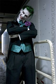 Joker cosplay, nice photo given that Joker costuming is more about acting than actual costuming.
