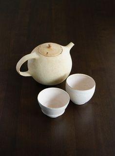 Tea pot and cups by Sho Murakami, Japan 村上奨