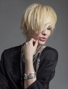 coupe courte ébouriffée Coiffure Pinterest Haircuts