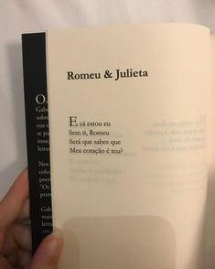 Monólogo Interior, Stupid Love, Memes Status, Some Words, Book Quotes, Sentences, Lyrics, Positivity, Letters