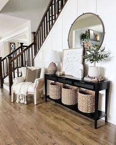 Living Room Redo, Home Living Room, Diy Home Decor, Room Decor, Love Your Home, Cozy House, Entryway Decor, Entryway Ideas, Decoration