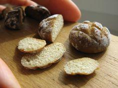 Miniature food: Bread: Domek pod kloszem