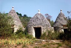 « Les Trois Soldats » est l'appellation donnée par le Tourisme à une cabane et deux pigeonniers en pierre sèche construits vers 1870 à Gordes dans le département de Vaucluse (France)