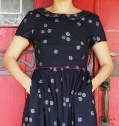 Emery dress with piping