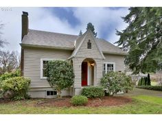 265,000 - Real estate home listing for 18230 SE RIVER RD Milwaukie OR 97267, MLS #15531023.  Explore local schools, neighborhood info, and Oregon homes for sale.