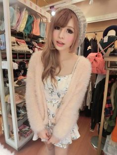 Gyaru Fashion * via My Darling Rainbow http://mydarlingrainbow.tumblr.com/