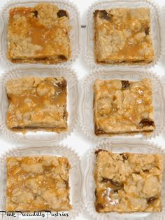 for a Crowd Pink Piccadilly Pastries: Carmelitas for a CrowdPink Piccadilly Pastries: Carmelitas for a Crowd Fall Dessert Recipes, Desert Recipes, Fun Desserts, Fall Recipes, Cookie Recipes, Delicious Desserts, Cooking For A Crowd, Food For A Crowd, Carmelitas Recipe