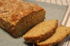 Endelig har jeg klart, jeg har klart å lage et glutenfritt brød som er saftig, som smaker veldig godt og som til og med min samboer (som ...