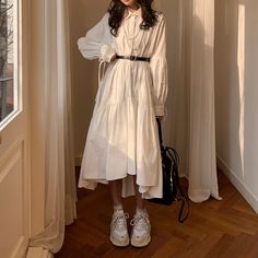 Image in Dress collection by ᯽𝕔𝕒𝕟𝕕𝕪 𝕗𝕝𝕠𝕤𝕤᯽ on We Heart It Cute Fashion, Modest Fashion, Look Fashion, Fashion Dresses, Fashion Tips, Kawaii Fashion, Petite Fashion, 70s Fashion, Fashion Styles