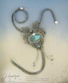 The Empress Macramè freeform necklace by Happyland