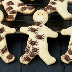 Arachnophobia Cookies! Simple shortbread men with spooky chocolate chip spiders.