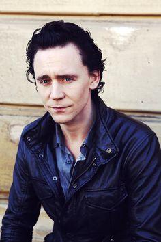 Tom Hiddleston Tom Hiddleston Loki, Thomas William Hiddleston, Loki Laufeyson, Thor, Benedict Cumberbatch, Chris Hemsworth, Marvel Actors, British Boys, Wink Wink