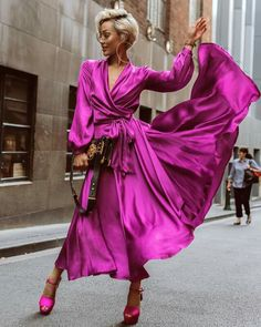 25 Of The Best Winter Fashion Ideas Youll Love Micah Gianneli Looks Chic, Looks Style, Satin Dresses, 60s Dresses, Peplum Dresses, Woman Dresses, Dresses With Sleeves, Gowns, Mode Style