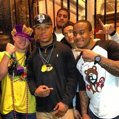 Johnny Manziel is partying for Mardi Gras. Ok to party after a winning season. Johnny Manziel, Fall Flats, Red Shirt, Mardi Gras, Athlete, Captain Hat, Football, Seasons, Party