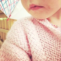 The sweet and talented @stinne_northernchild is asking me what i knitted a year ago: #kosekurvjakke by @picklesoslo Perfect for fall! What lovely creations did you knit back then @ninahui and @martafrantzen ?