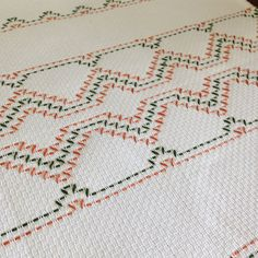 No photo description available. Swedish Embroidery, Hand Embroidery Stitches, Broderie Bargello, Huck Towels, Swedish Weaving Patterns, Sewing Patterns, Crochet Patterns, Monks Cloth, Weaving Designs