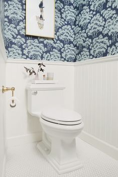 6 Farrow And Ball Wallpaper Hornbeam Traditional Tudor Bathroom #home #style