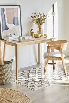 """We love Nature!  Warme, unaufgeregte Farben sind für den """"Natural Living""""-Trend ein Muss! Passend dazu: Von der Natur inspirierte Deko-Pieces und Gräser verbreiten zusätzliche Gemütlichkeit.  🛍 Entdeckt den gesamten Look jetzt auf WestwingNow! // Natural Living Skandinavisch Natur Trend #Einrichtung #Möbel #Natur #Pflanze #Skandinavisch #Boho #Homeoffice #Teppich #Jute Diy Design, Design House Stockholm, Natural Living, Office Nook, Cozy Place, Little Houses, House Rooms, Interior Design Living Room, Home And Living"""