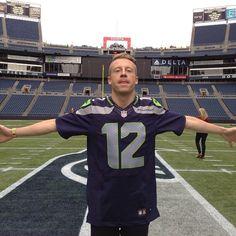 "@dtorok's photo: ""@macklemore @seahawks #seahawks #macklemore #seattle"""