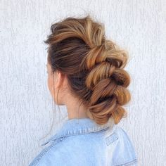 This messy french braid is a classy but relaxed updo that's perfect for any occasion. French Braid Hairstyles, Casual Hairstyles, Straight Hairstyles, Girl Hairstyles, Updo Hairstyle, Hairstyle Ideas, Love Hair, Great Hair, Relaxed Updo