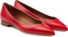 Malone Souliers Women's Shoes in Red Color. Crafted in smooth leather and cut to perfection with a flattering V front, Malone Souliers's pointy toe flats are a day to evening essential style. Red leather, softly pointed toe. Natural leather low heel patch. Showcase with ankle-grazing jeans or pair with culottes #MaloneSouliers #red #shoes #fashion #style