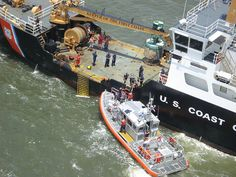 Coast Guard safely transfers 118 people of grounded casino boat by U.S. Coast Guard, via Flickr #USCG